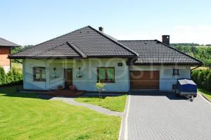 Budynek mieszkalny jednorodzinny | Typ: parterowy, podpiwniczony | Powierzchnia użytkowa: 178,90m2 | Rydułtowy, 2003r.