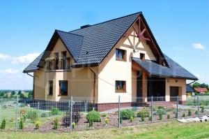 Budynek mieszkalny jednorodzinny I Typ: parterowy z poddaszem użytkowym, podpiwniczony | Powierzchnia użytkowa: 271,00m2 | Czernica, 2010r.